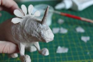 como hacer un alebrije de papel rinoceronte paso 9